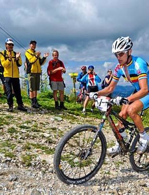 Roel Paulissen rode to his second consecutive men's elite world marathon championship on August 23, 2009.