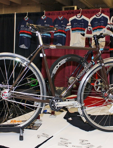 Courage Bicycles builder Aaron Hayes brought along this beautiful townie to the 2009 Rocky Mountain Bicycle Show.