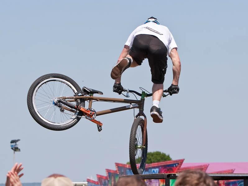 Scottish trickster Danny MacAskill performs at the 2009 BikeRadar Live.