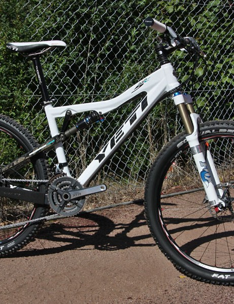 Yeti claim their new ASR-5C frame weighs just 2.06kg (4.5lb)