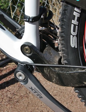 Yeti stick with their tried-and-true single pivot design on the new ASR-5C