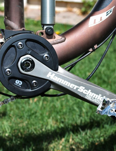The single 22T or 24T chainring makes for massive ground clearance.