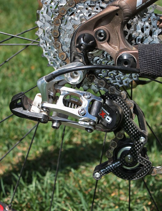 The single-ring setup allows for a lighter and snappier short-cage rear derailleur, not to mention a shorter chain, too.
