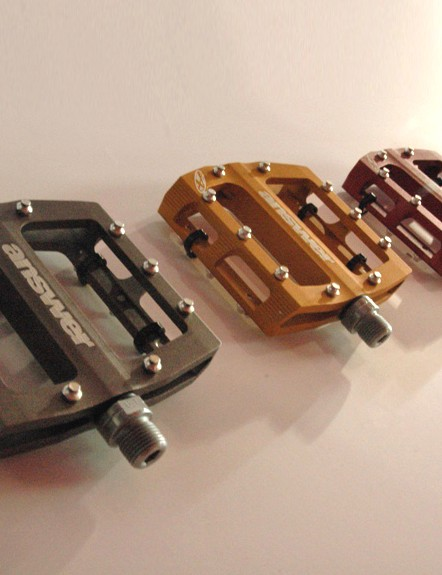 The new Answer Rove RV pedal boasts hromoly axles, double bearing and DU bush combo and a slimline 16mm profile