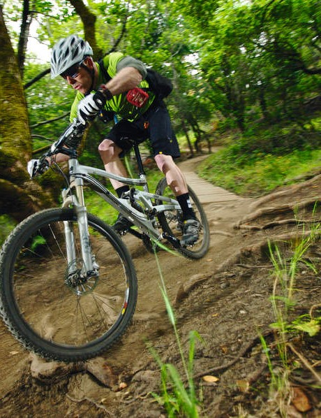 The Mount Vision's trail friendly geometry makes it a top choice for aggresive all-weather riders