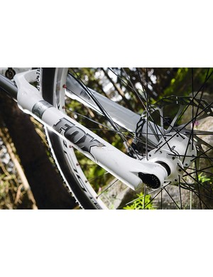The adjustable travel Fox Talas RL fork with bolt-thru axle gives super precise steering