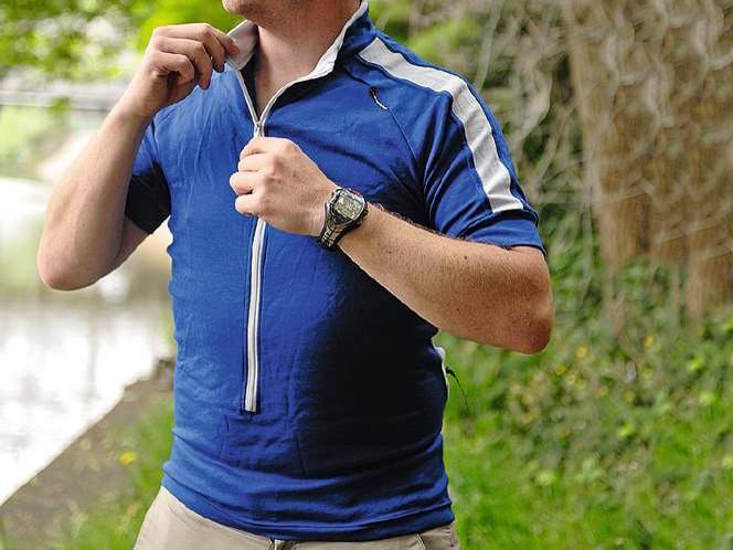 Ground effect median strip jersey
