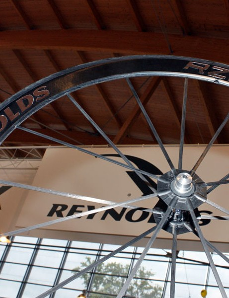 The Reynolds RZR 46[T] is the first product to come out of the company's new Reynolds Composites Studio - a division wholly dedicated to ultra-high-performing boutique parts all built with carbon and boron fibre