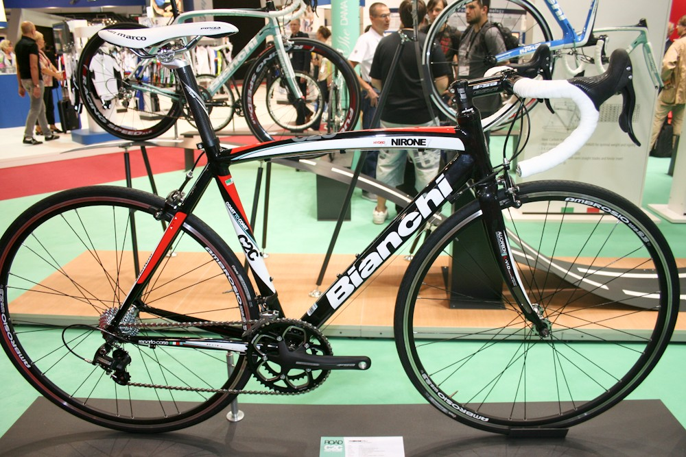 The aluminium Via Nirone 7 C2C, Bianchi's entry-level sportive bike, is available with Xenon, Sora, Veloce or Shimano's 2300 triple group. All models feature the K-Vid Kevlar-tipped vibration absorbing fork