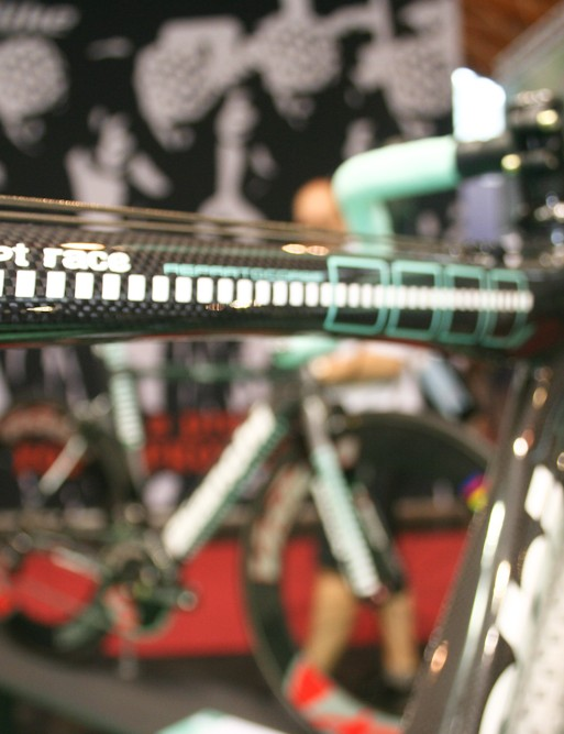 Bianchi Carbon Cross concept; the top tube is scalloped to make shouldering easier