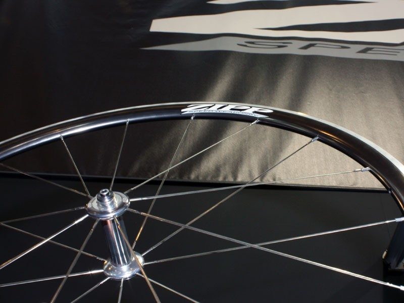 Zipp's aluminium wheel collection moves upscale with the new 101, a 1,484g clincher wheelset with a full toroidal-profile rim and the company's latest 88/188 hubset.