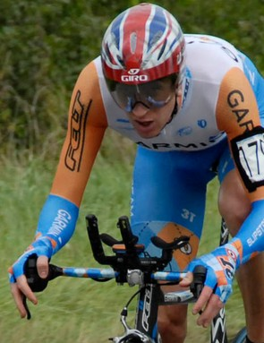 Brad Wiggins was unstoppable in the men's event at the British time trial championships in Botolph Claydon on Sunday