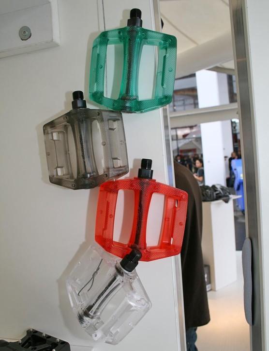 Atomlab's plastic pedals