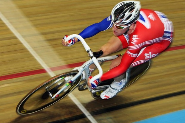Geraint Thomas of Great Britain in action in the Madison during day three of the UCI Cycling World Cup on November 2, 2008 in Manchester