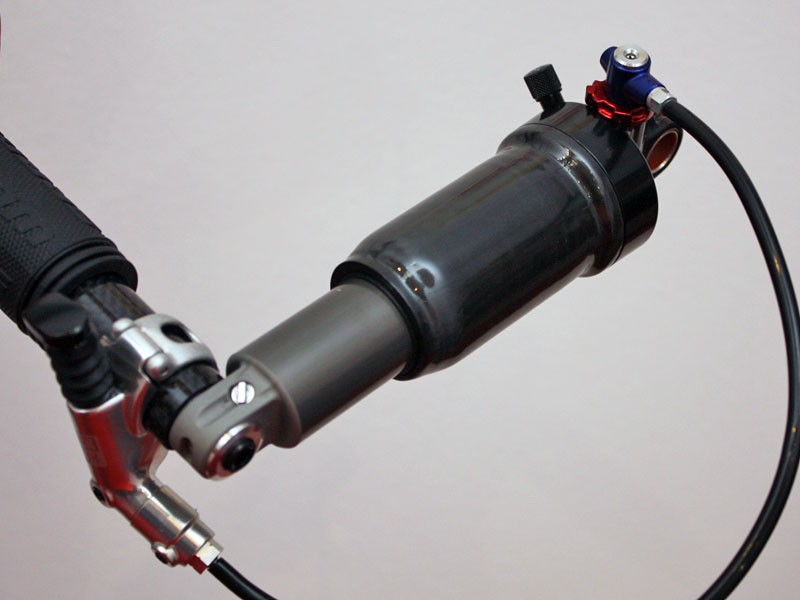 RockShox wouldn't provide an official name, specs or internal details on this prototype rear shock, but we assume it's aimed at the cross country racing market given the ultralight carbon body air sleeve.