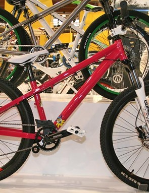 This Play 1 dirt jump bike is the base model in a line-up of five street/park/dirt jump bikes