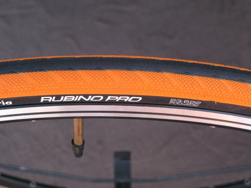 The new Vittoria Rubino Pro has a finer casing than the previous version and comes in loud new colours like this screaming orange.