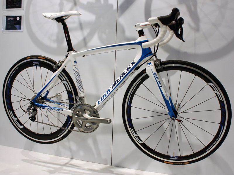 The EFX-1 is Eddy Merckx's top women's-specific road model with a a carbon frame and fork plus a tapered front end.