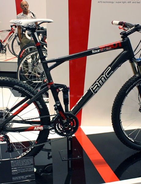 BMC says its new FS01 dual-suspension racer weighs just 1900g (4.19lb) for a large-sized frame with the included Fox rear shock.