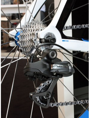 Storck's Aero 2 frameset features internal routing sized to fit Shimano's Dura-Ace Di2 group.