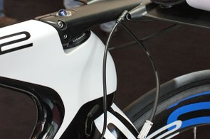 Shifter housing (or a Di2 wire) will ultimately feed into the back of the aero bar.