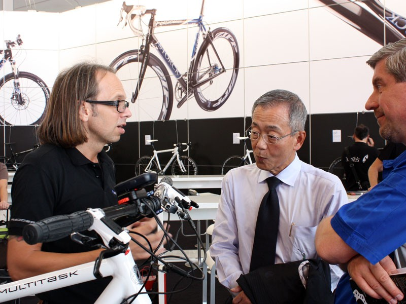 Marcus Storck and Yozo Shimano take a few minutes to chat during the show.