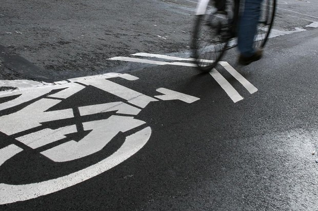Cycle lanes mean less space from cars, says research