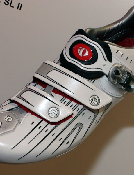 The new P.R.O. Road II shoe gets the same fit refinements as the Octane SL plus an adjustable-length main strap.