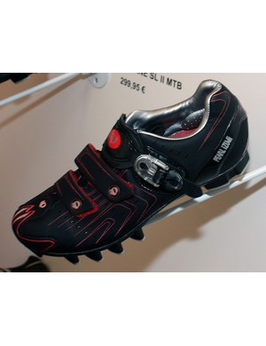 The same updates given the road-going P.R.O. shoe have also been added to the off-road version.