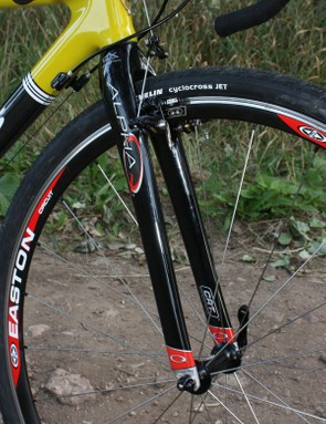Complete bikes and framesets include Alpha Q's superb CX20 carbon 'cross fork.