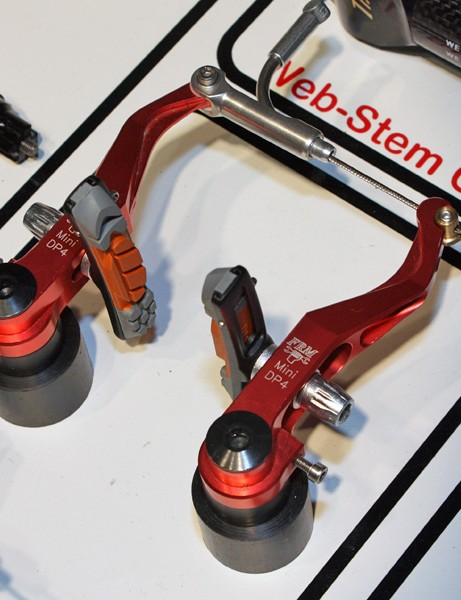 Kill brake shudder with FRM's mini V-brakes, adapted from the MTB version for use on 'cross bikes with shorter arms that work better with road levers.
