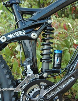Fox's DHX RC4 rear shock is used out back on the Scratch 9 model
