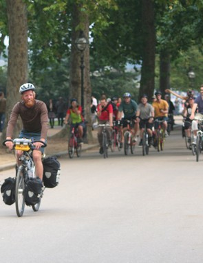 James Bowthorpe arriving at Hyde Park after breaking the round-the-world cycling record