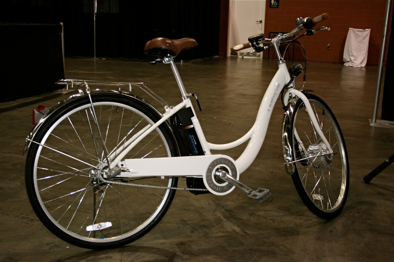 The Sanyo eneloop has three electric-assist modes, covering a 40-mile range.