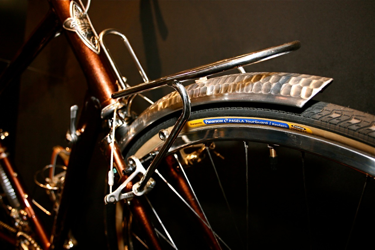 Hammered fenders and tubular steel front rack.