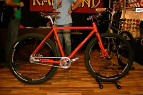 The Rawland Ravn works with 26-inch or 650B wheels, thanks to the disc brakes. The frameset also retials for US$715.