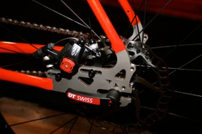 An adjustable sliding disc mount opens up rotor size options.