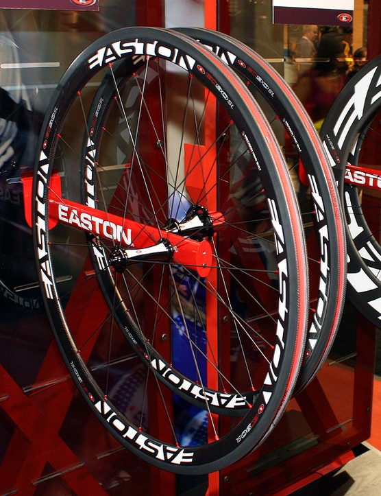 The new EC90 SL will now get a new all-carbon clincher variant.