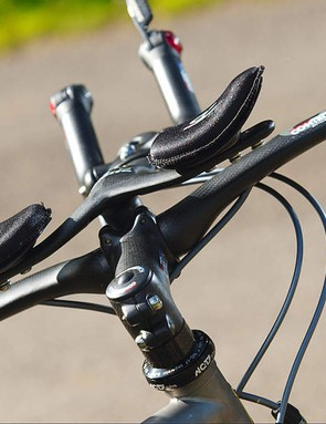 You can drop into the optimum aero position over the short ring reinforced headtube immediately