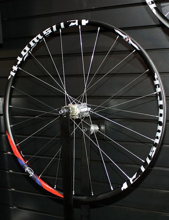 Ellsworth's all-mountain wheelset uses a custom 29mm-wide aluminium rim extrusion.