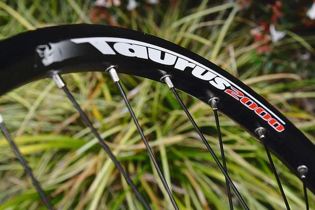 Rigida Taurus 2000 Rims