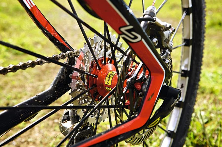 Carbon drop-outs and  SRAM XX kit help make  a happy spec list
