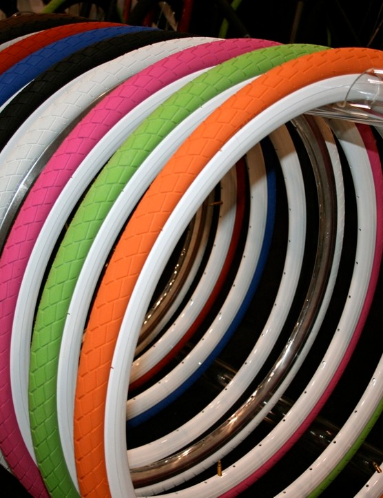 There's a rainbow of fixed-gear friendly Session 700 tyres from Fyxation.