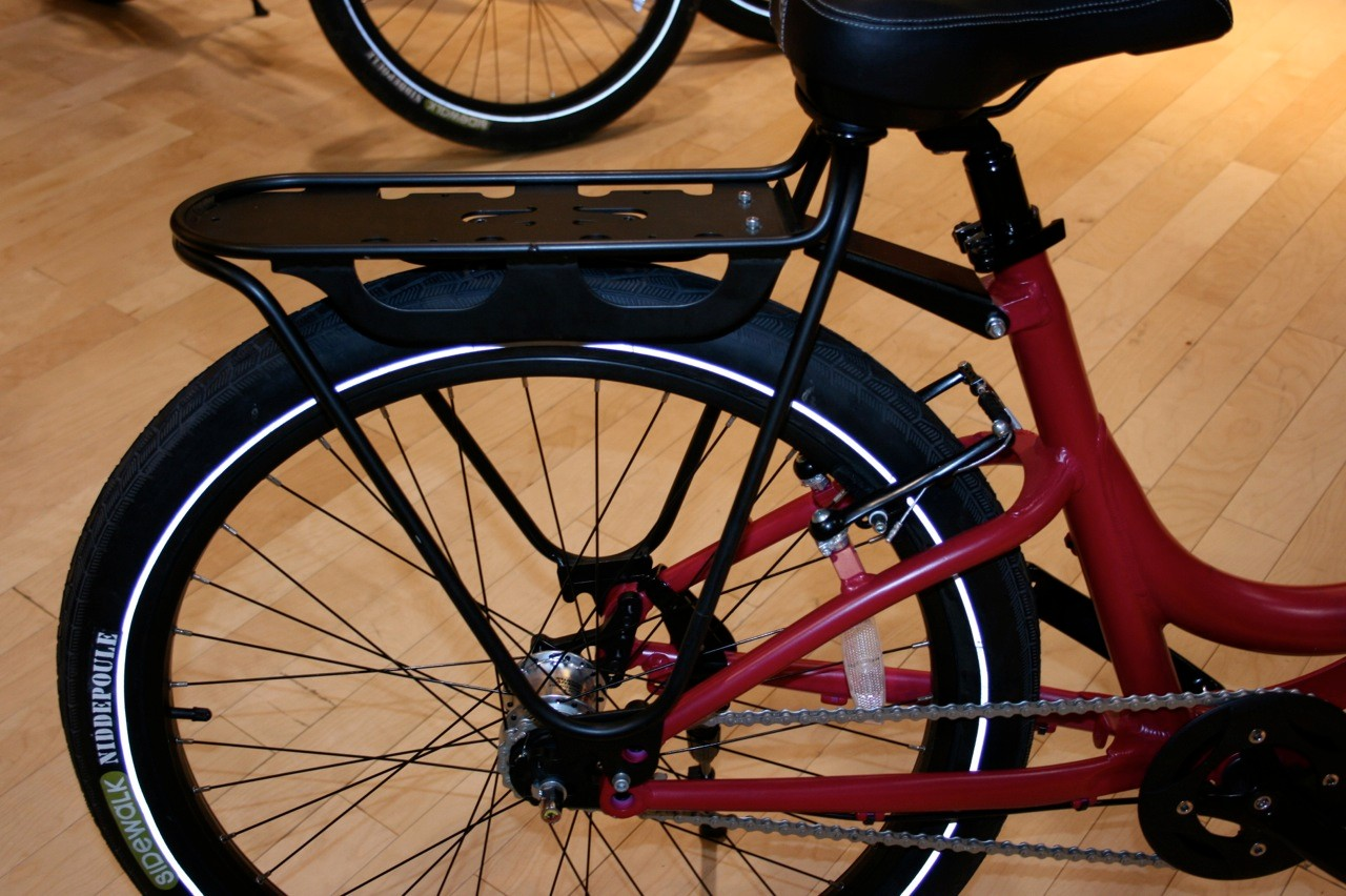 The Urbana rear rack can hold more than 100 pounds!