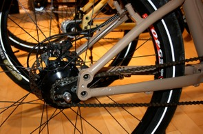 A Rohloff internal hub option is available.