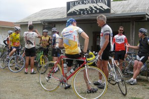 A timely stop at Black Mountain Cycles in Point Reyes Station to repair Hardy's broken spoke.