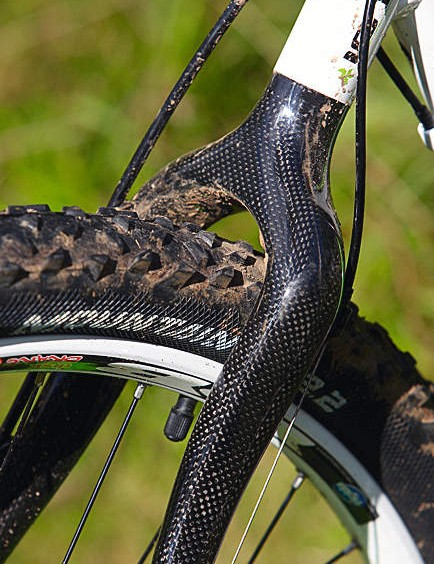Raleigh's engineers have incorporated a curvaceous, bonded carbon monostay into the HT2.0's rear triangle