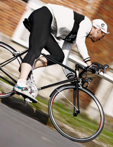 Stable at speed, but longer dimensions than a modern race bike means it's less nimble through traffic