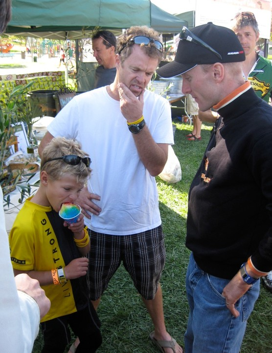 Bill and Liam Flanagan chat with Leipheimer after the ride. They're promoting www.fathersontour.com