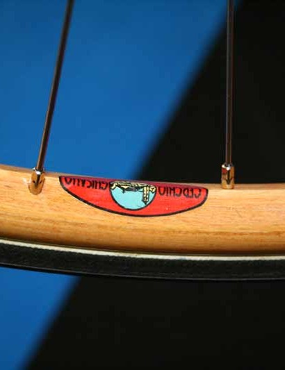 The Ghisallo wooden rims are apparently still used by pros today
